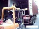 每月不定期在公司門口拆貨櫃3