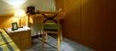 塑膠地板除膠施工