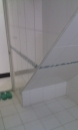 淋浴間玻璃的水垢如何清除