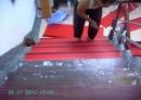 樓梯止滑墊施工中