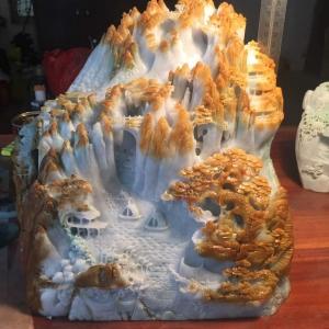 鉻滿翡翠成品擺件-黃山游玩圖