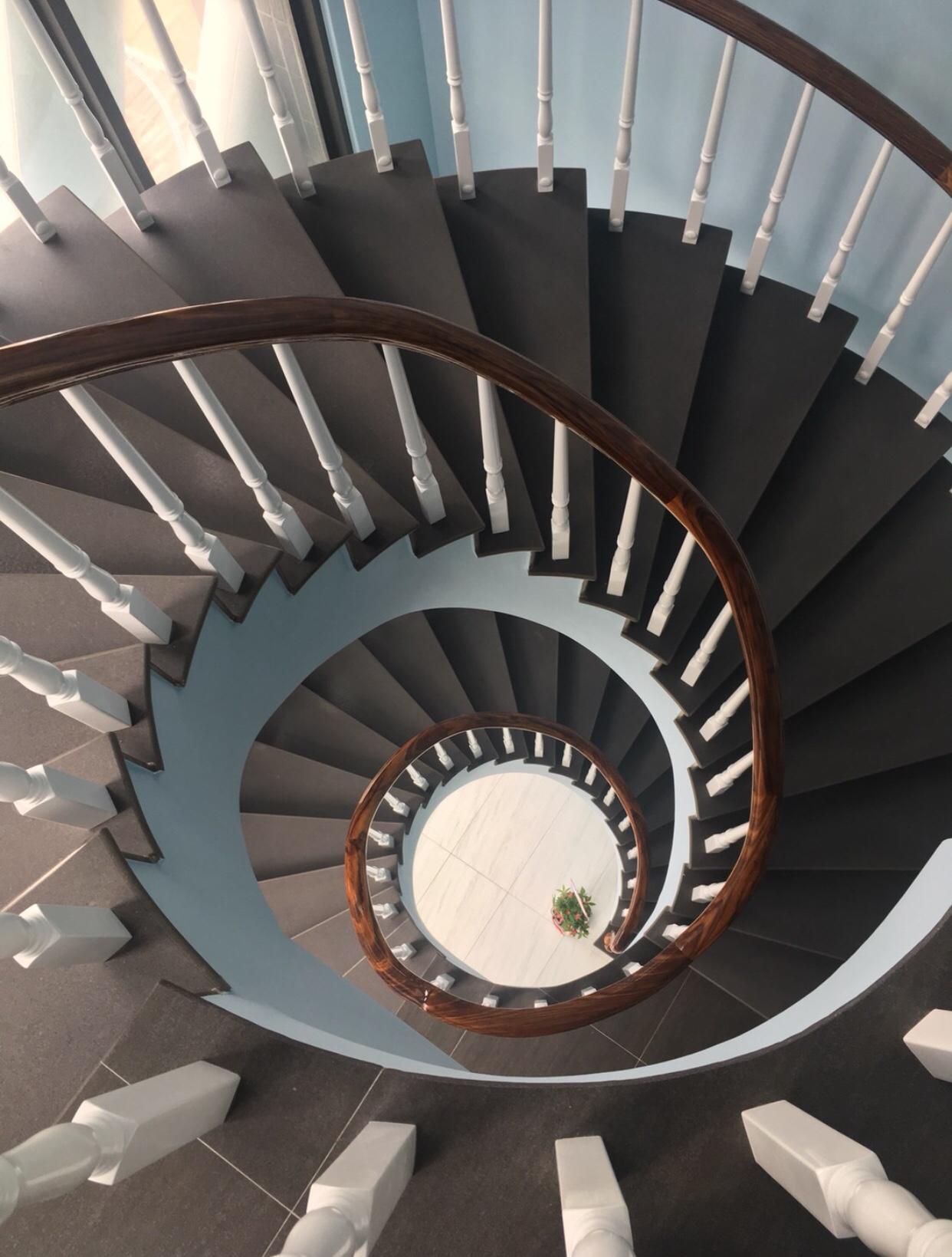 旋轉樓梯扶手