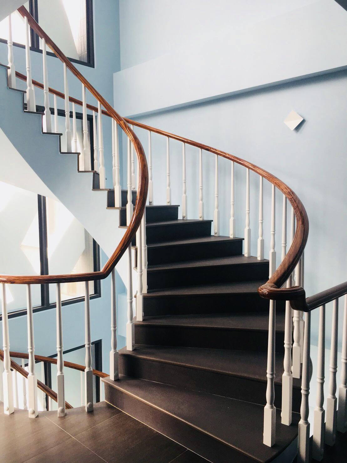 簡約日式樓梯扶手