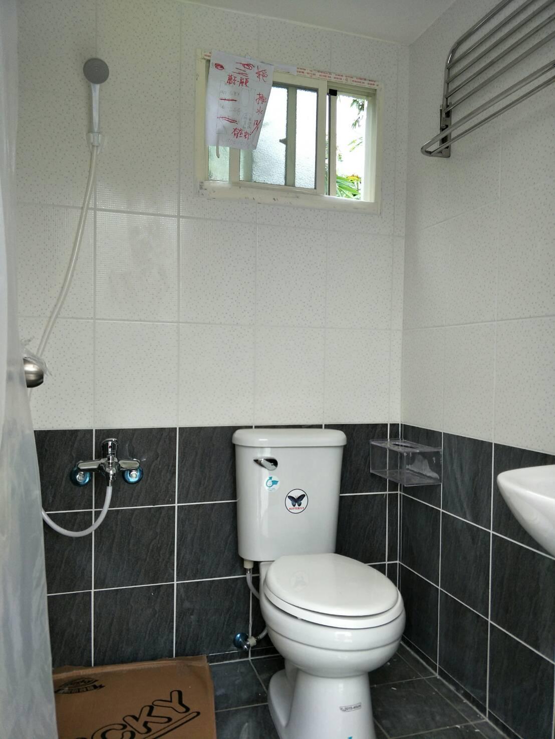 水泥製活動廁所整體衛浴內部