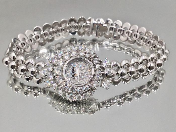 帝后 DELANEAU 豪華鑽錶 鑽石78P 合計約四克拉 750 白K金 女王頭像標誌 型號L557 $118000