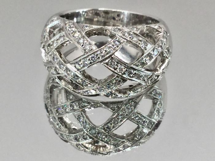 簍空設計 線戒 750白K金 鑽戒 鑽石70P 單顆約2分 合計1.40克拉 全重10.1公克 $13000