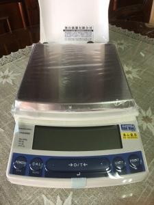 UX8200S電子天平-8200G-0.1G 外校-日本島津