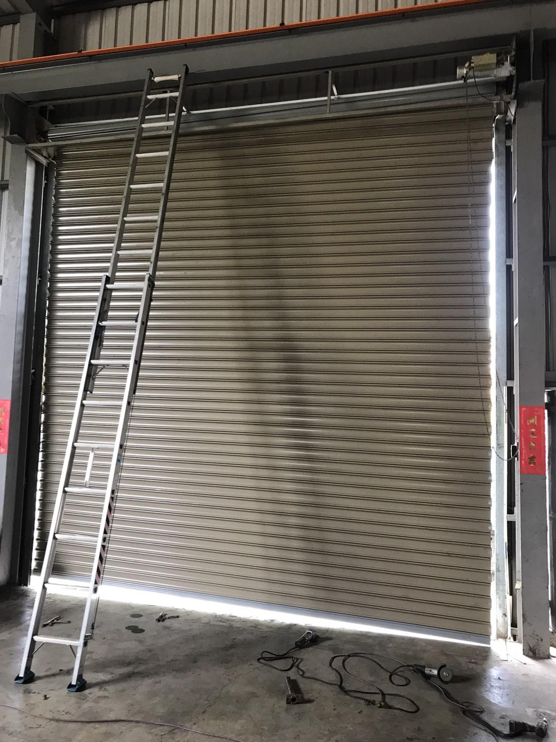門片變型換新門片,維修鐵捲門,維修捲門馬達,維修電動捲門