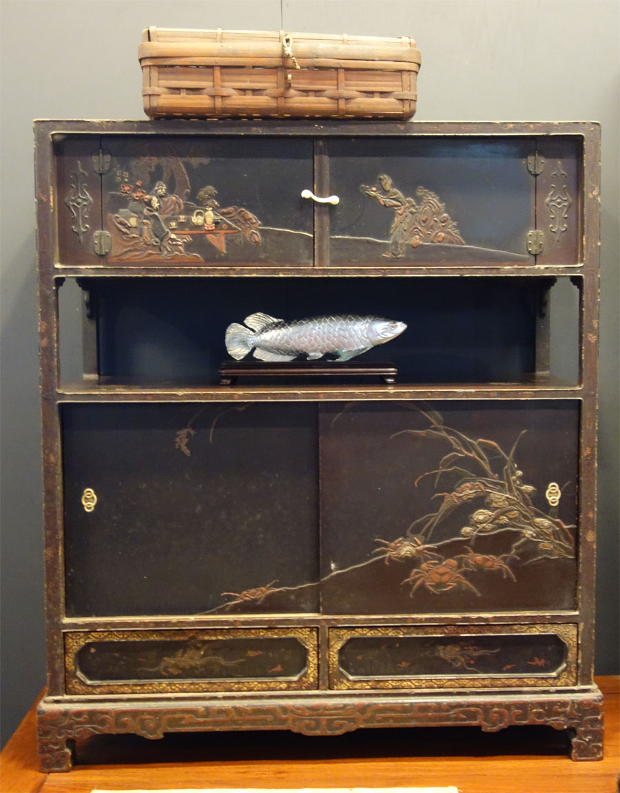 古董雕花櫃