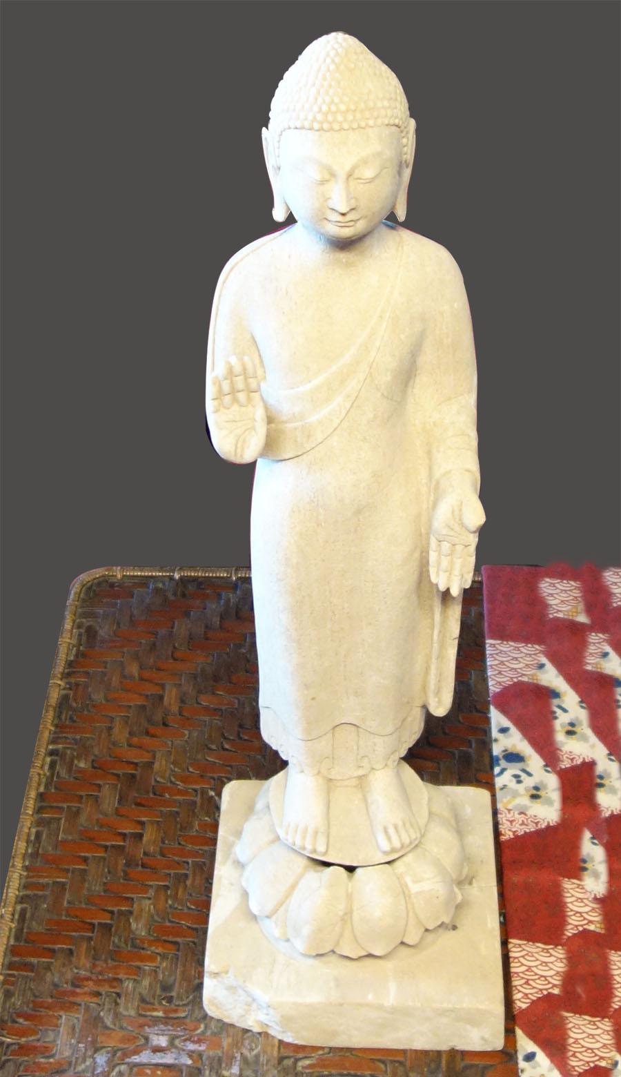 木雕佛主像