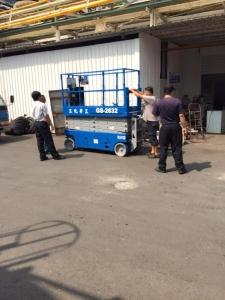 三芳化工仁武廠採購GENIE GS-2632 8M自走車交機暨現場安全操作教學