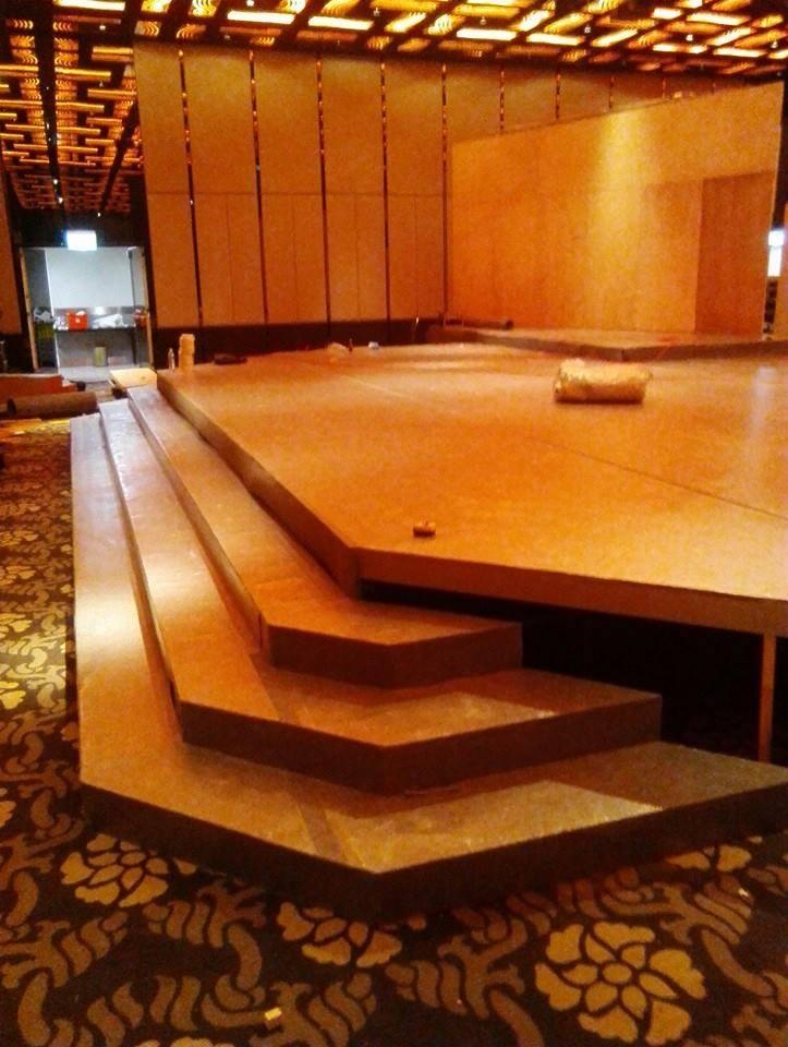 婚宴舞台地毯鋪設01