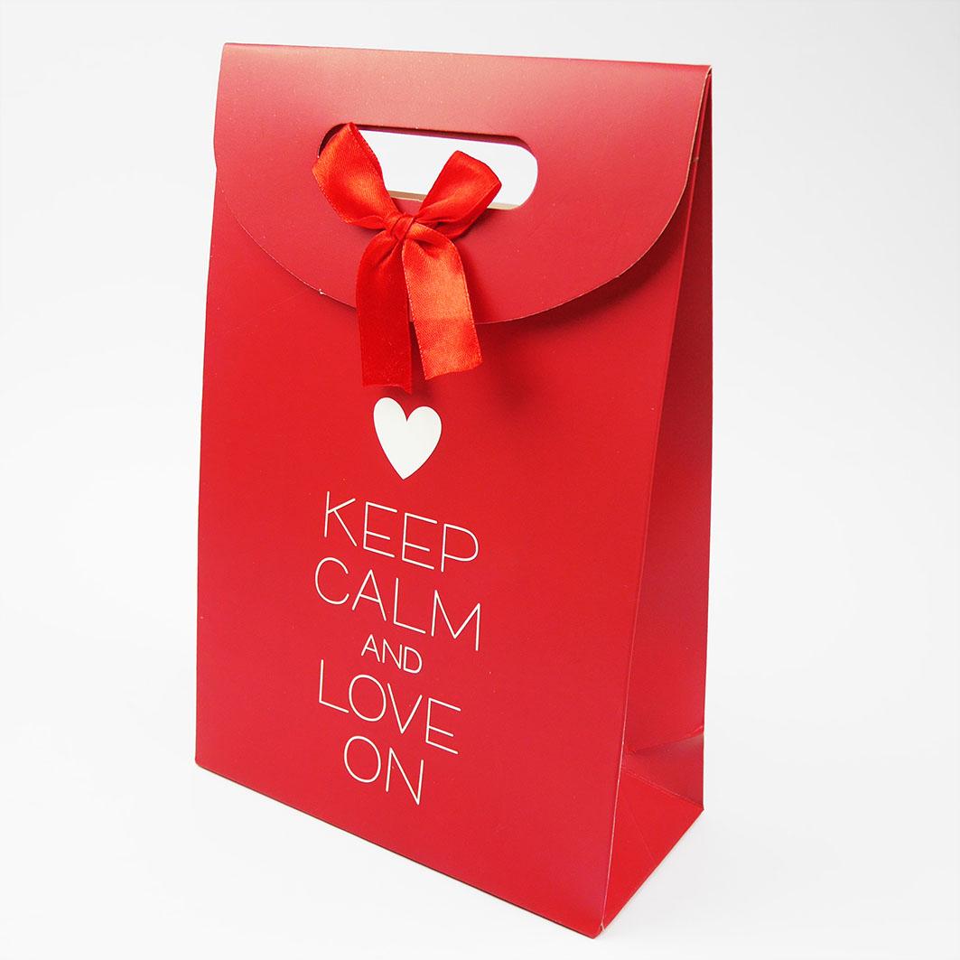 B7 Keep calm and love on