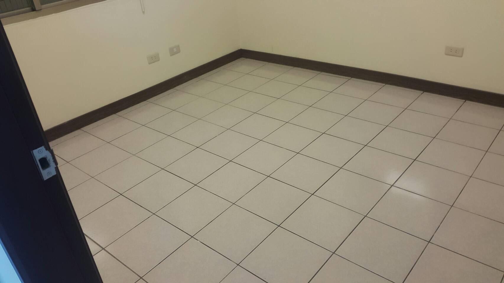台中住家地板磁磚清潔