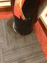 地毯污漬清洗前 (2)