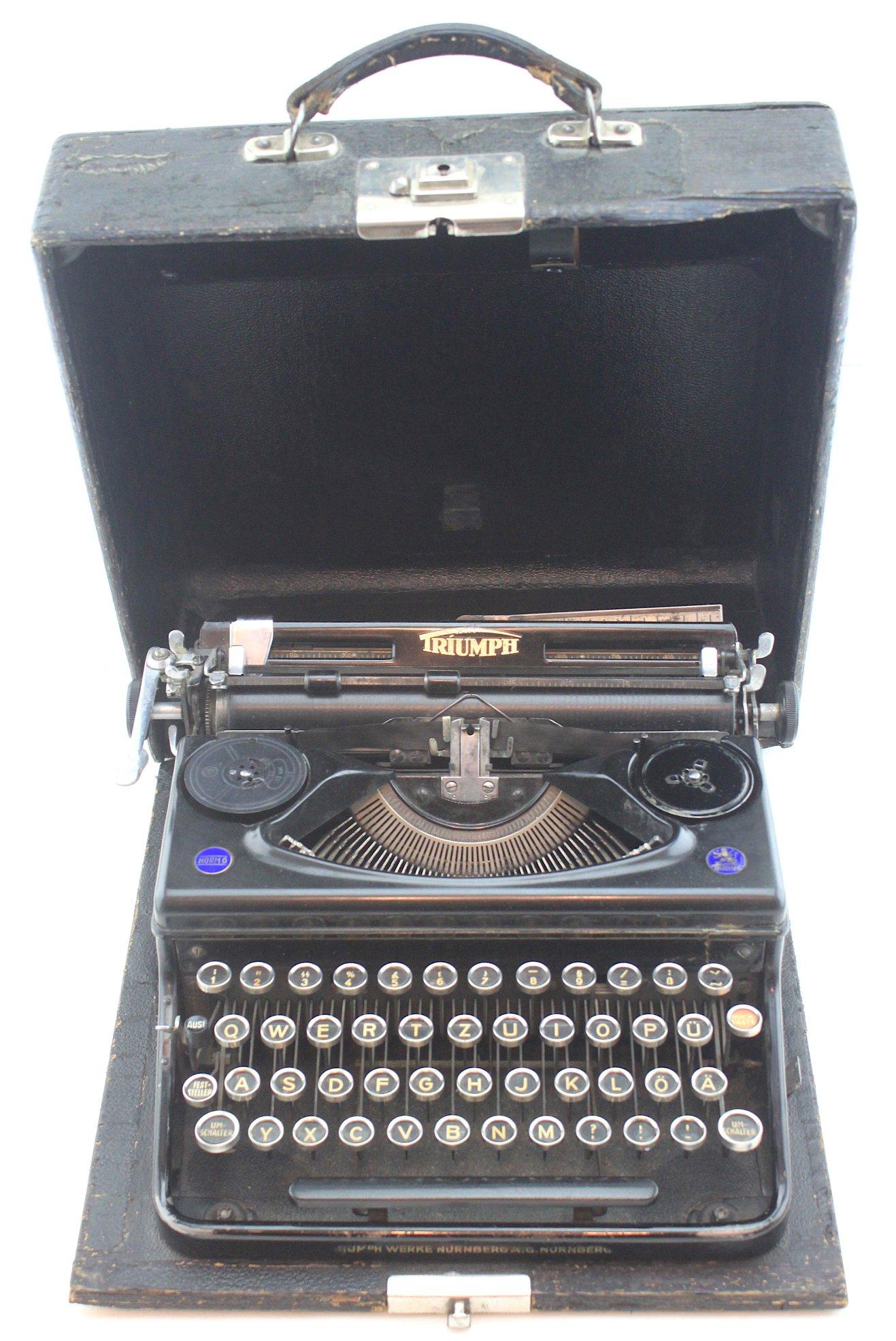 二戰德軍Triumph牌軍用打字機