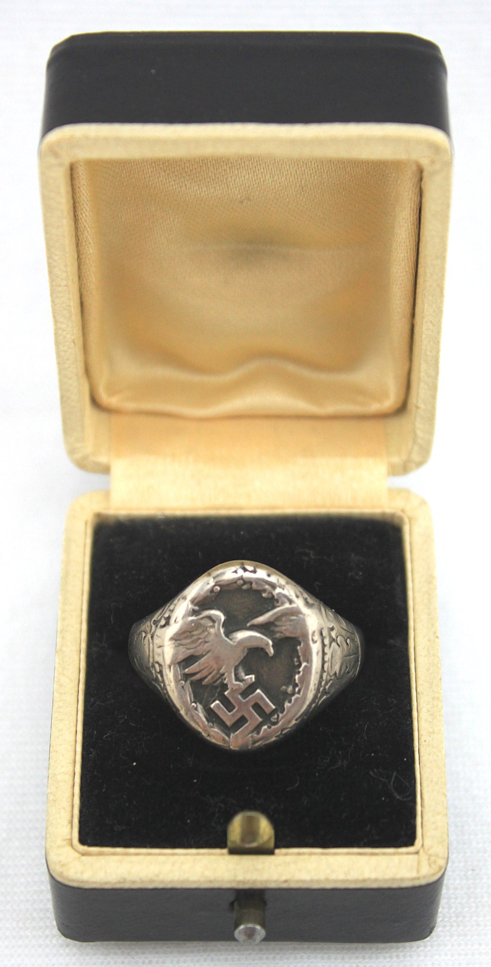 盒裝二戰德國空軍偵查機組員紀念戒指