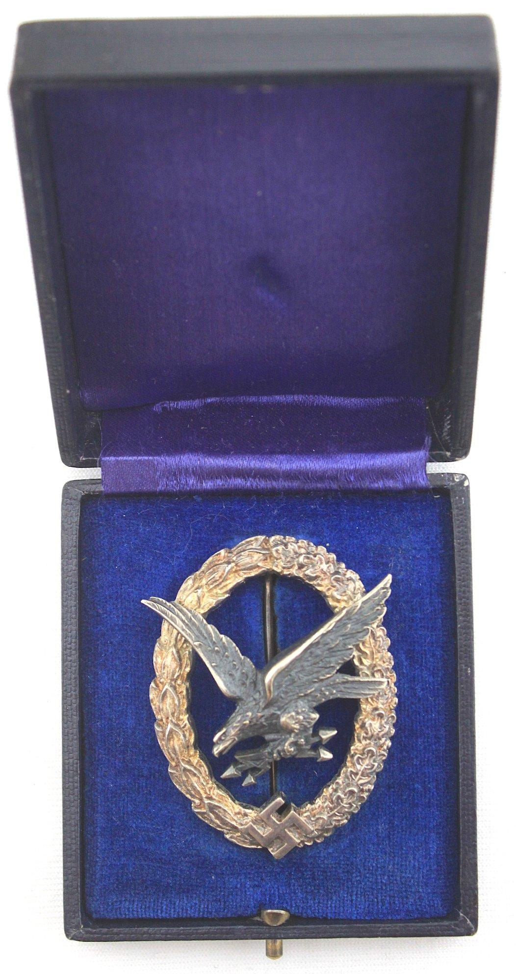 [已售出 SOLD] 盒裝轟炸機無線電/機槍手獎章