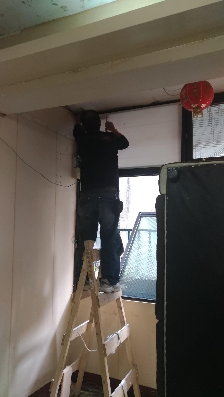 新北市板橋大觀路壁紙拆除,全室油漆粉刷,地磚磁磚修補 (42)