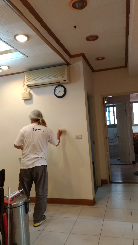 新北市板橋民生路,室內牆面裂縫修補,油漆粉刷 (24)