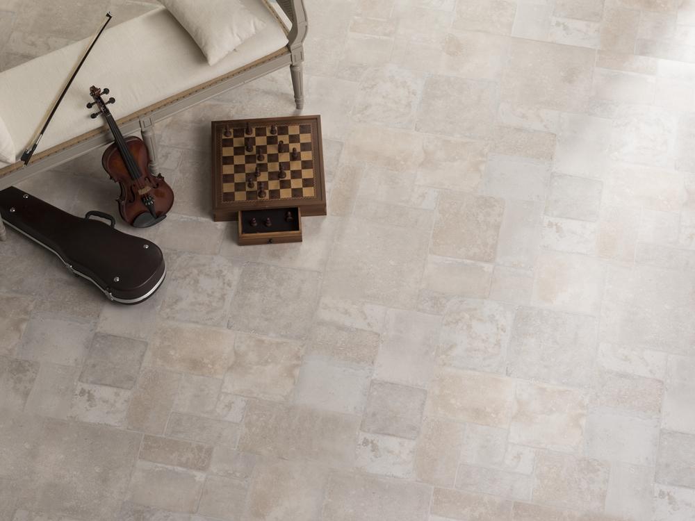 019 淺色木紋地板