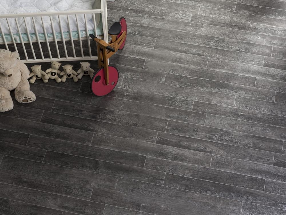 262 淺色木紋地板