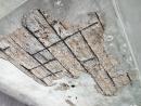 天花板水泥層剝落(漏水或保護層不足導致)