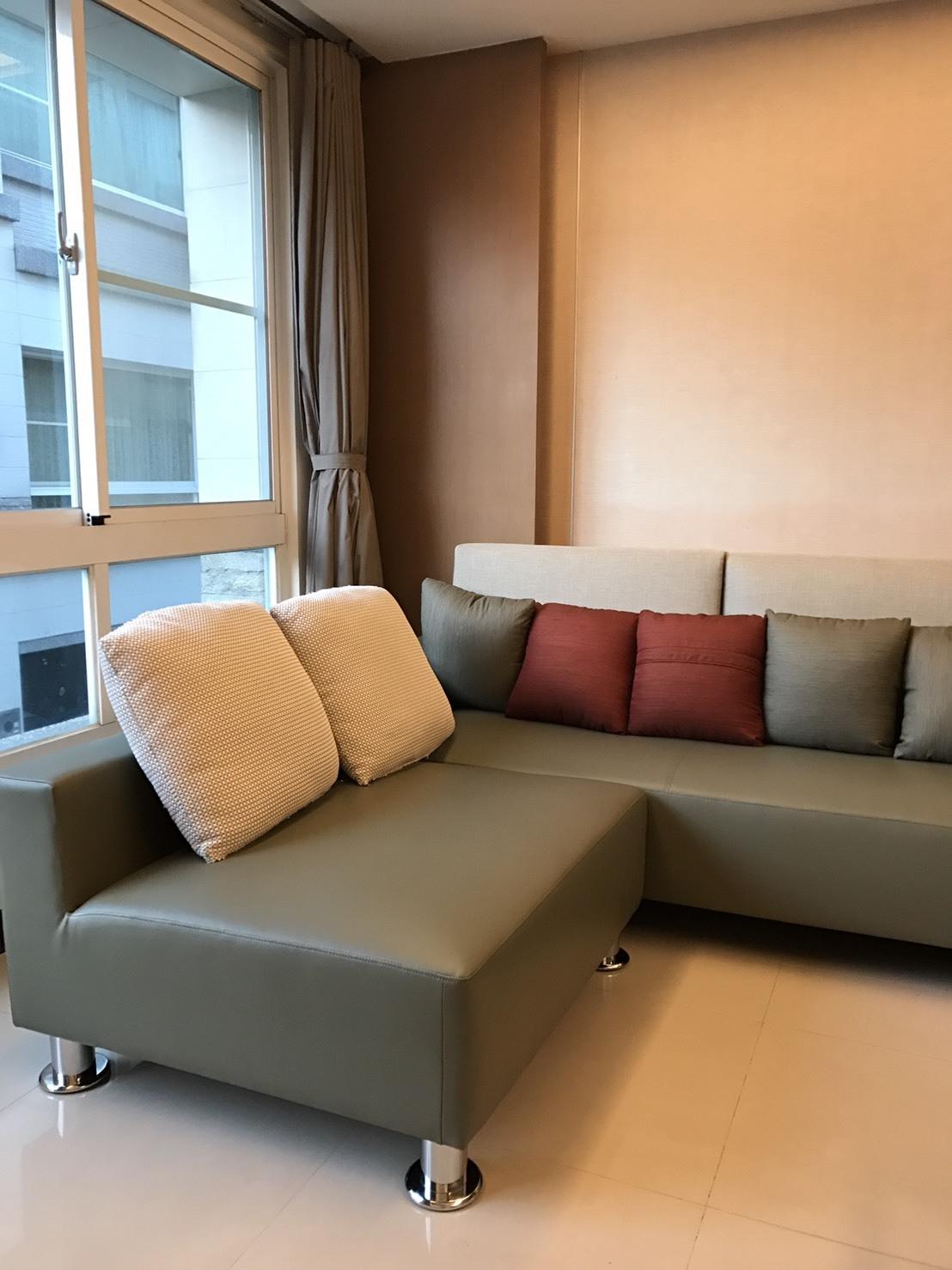 沙發 (1)