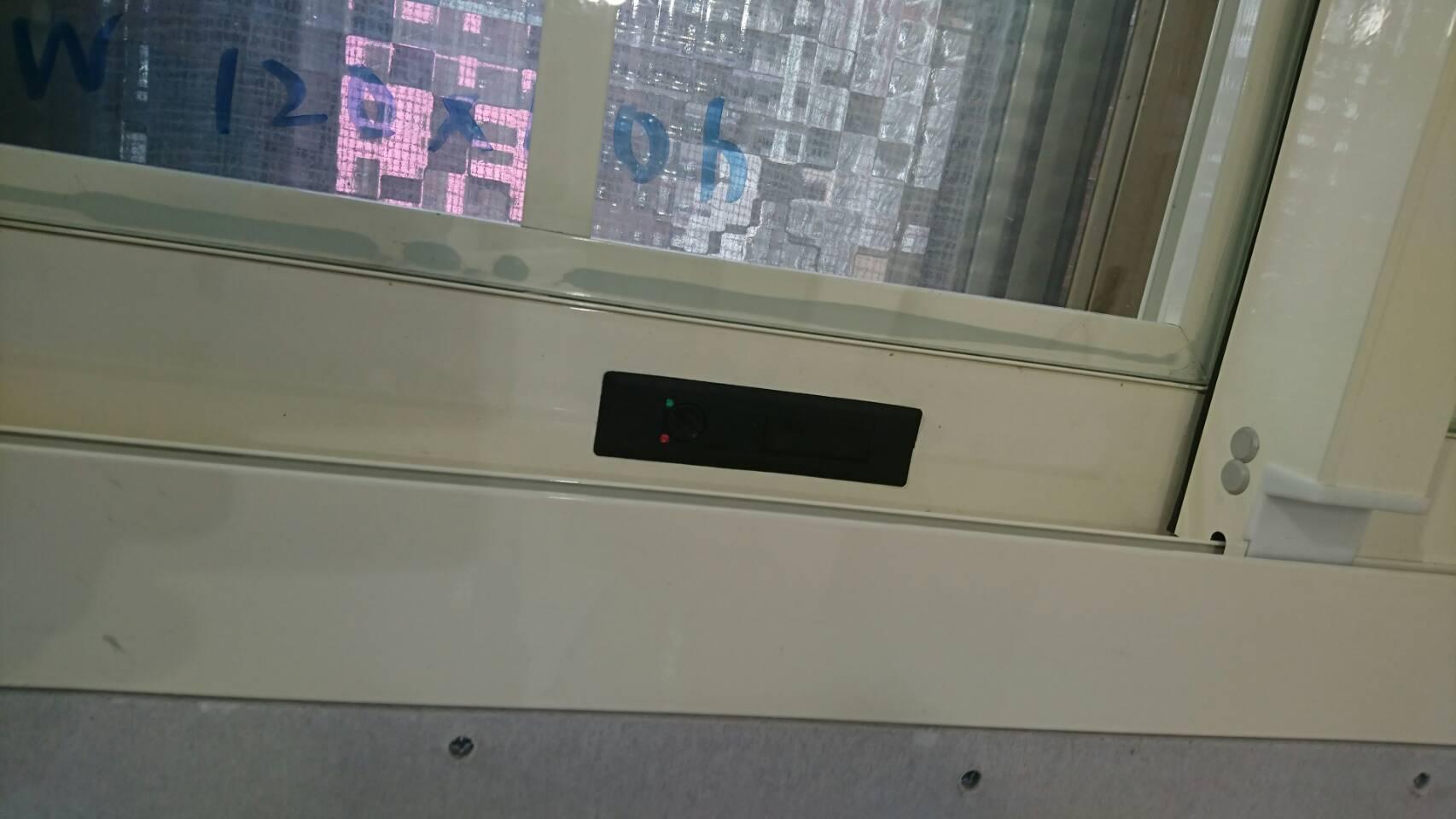 兒童防墜裝製-氣窗