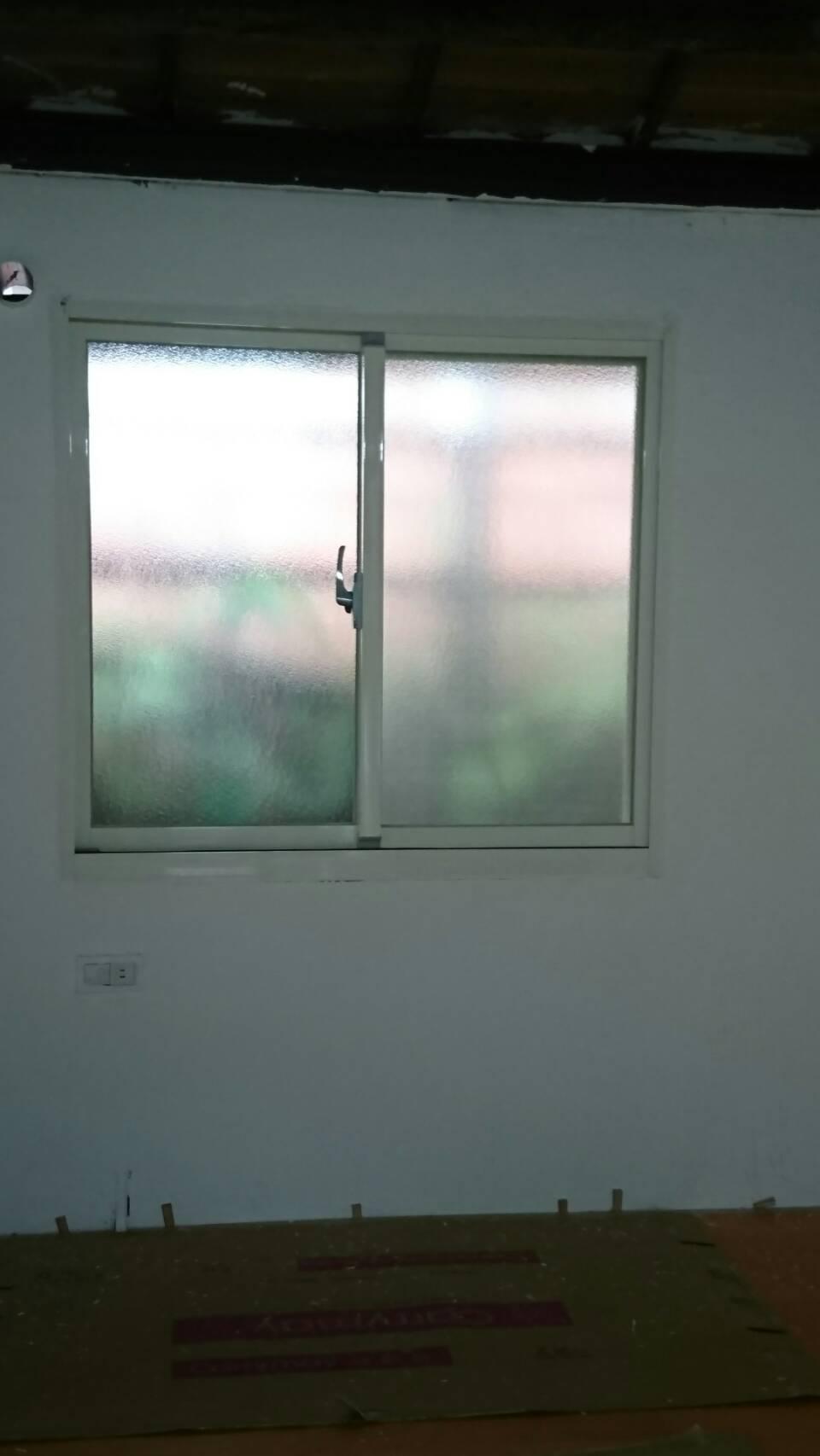 基隆路窗戶-1