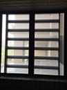鐵窗上加紗網