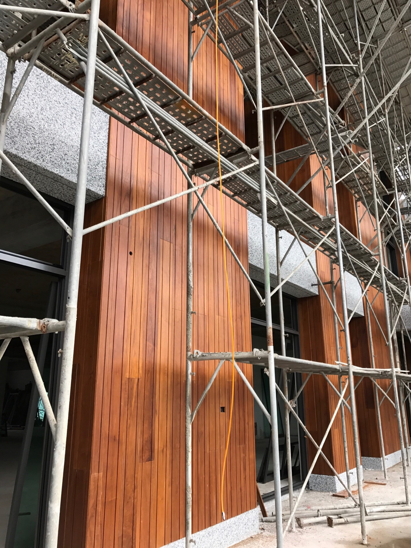緬甸柚木實木-戶外牆面施工