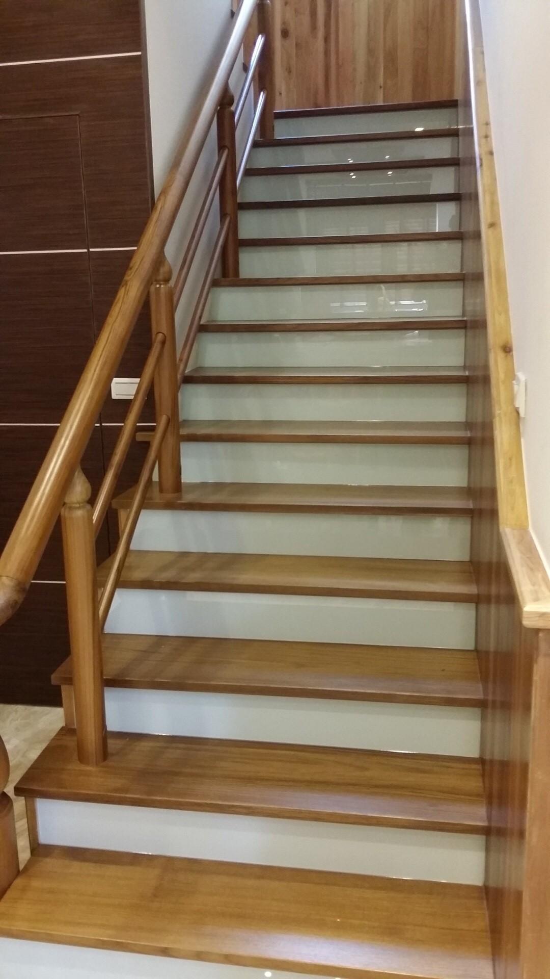 實木樓梯板扶手