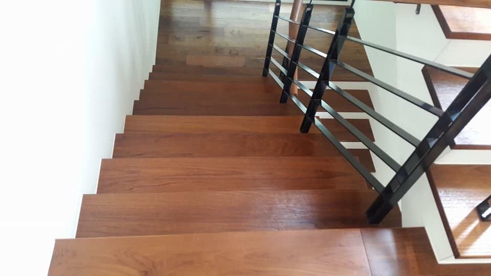 樓梯板扶手
