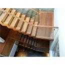 緬甸柚木樓梯