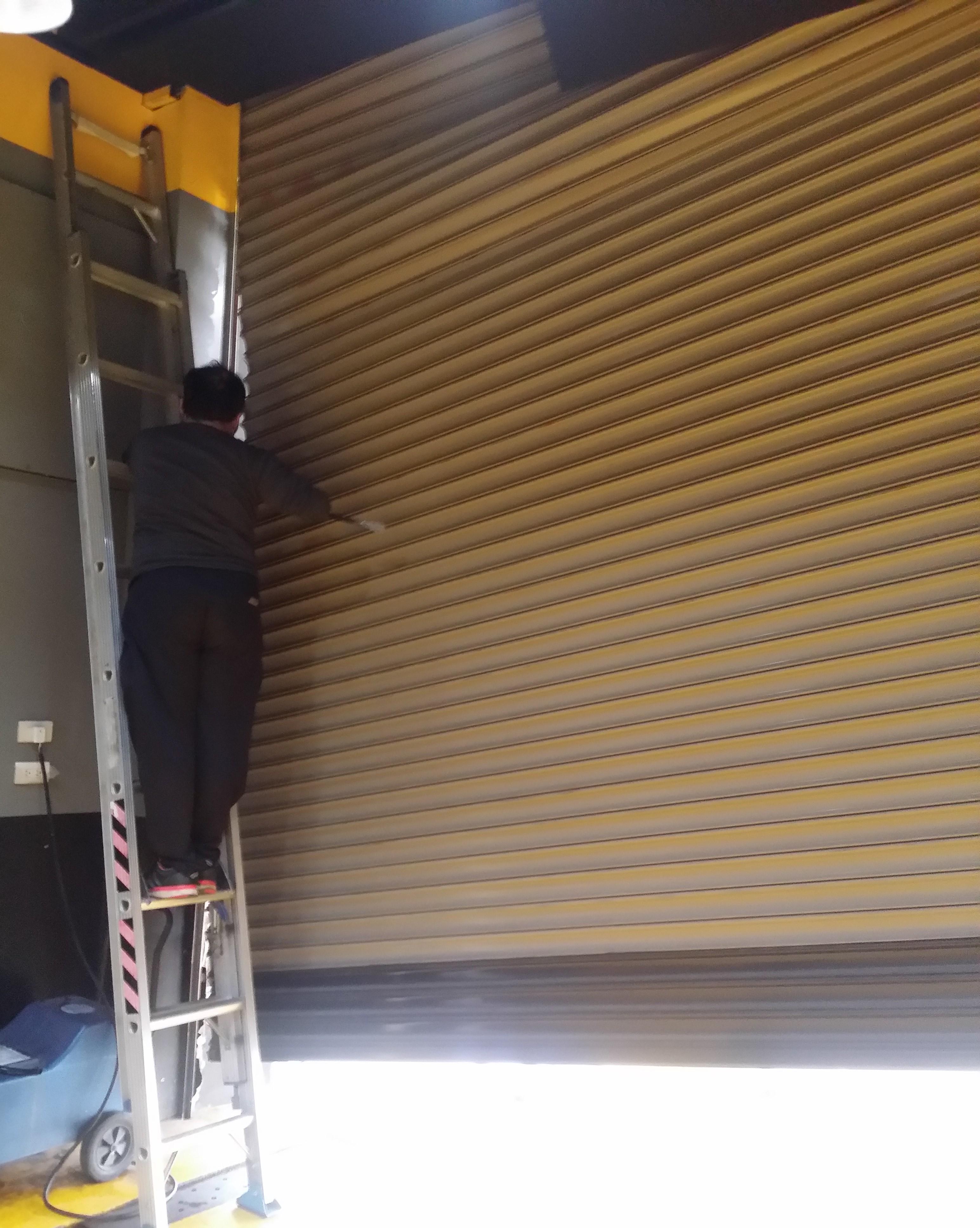 修理鐵門24h修鐵捲門推薦_鐵捲門維修/電動捲門維修24h_全年無休_價格實在