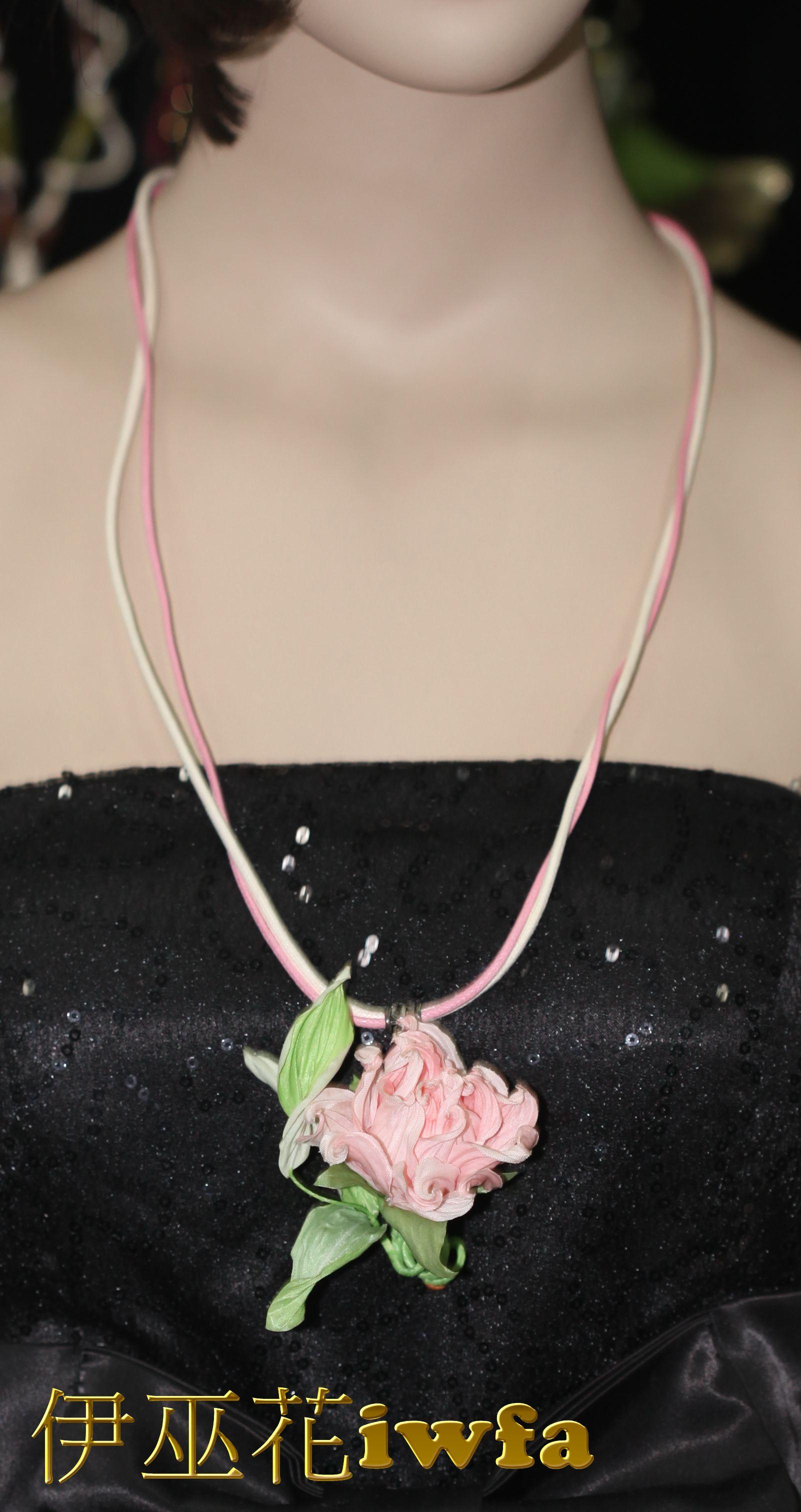民俗風-藤蔓上的玫瑰花--粉色