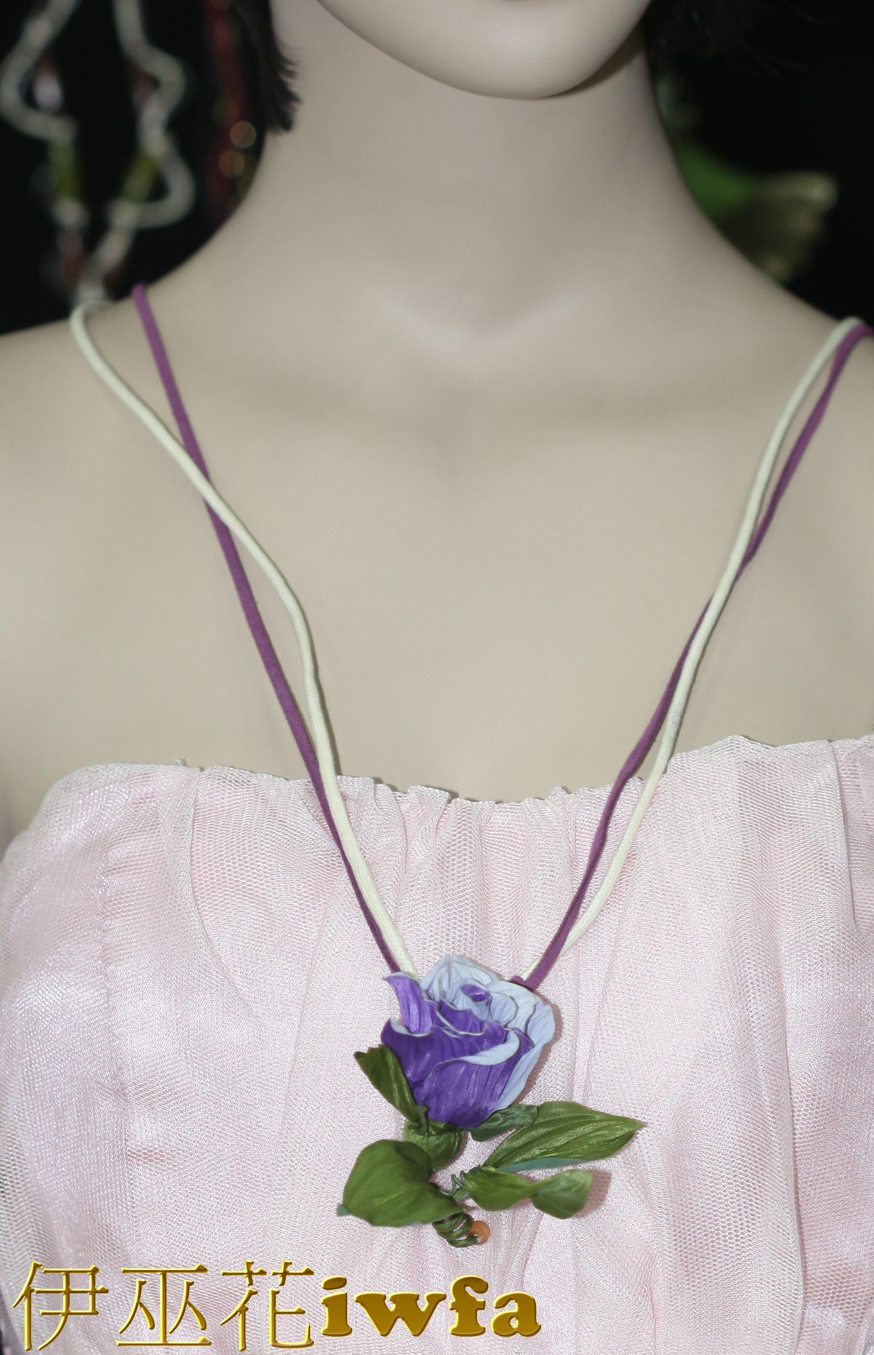 民俗風-藤蔓上的玫瑰花--紫色