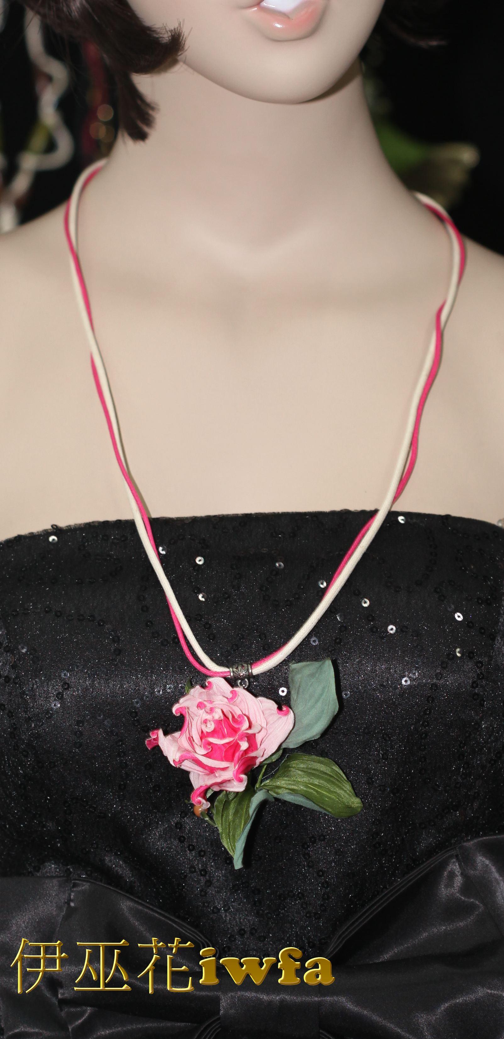 民俗風-藤蔓上的玫瑰花--桃紅色
