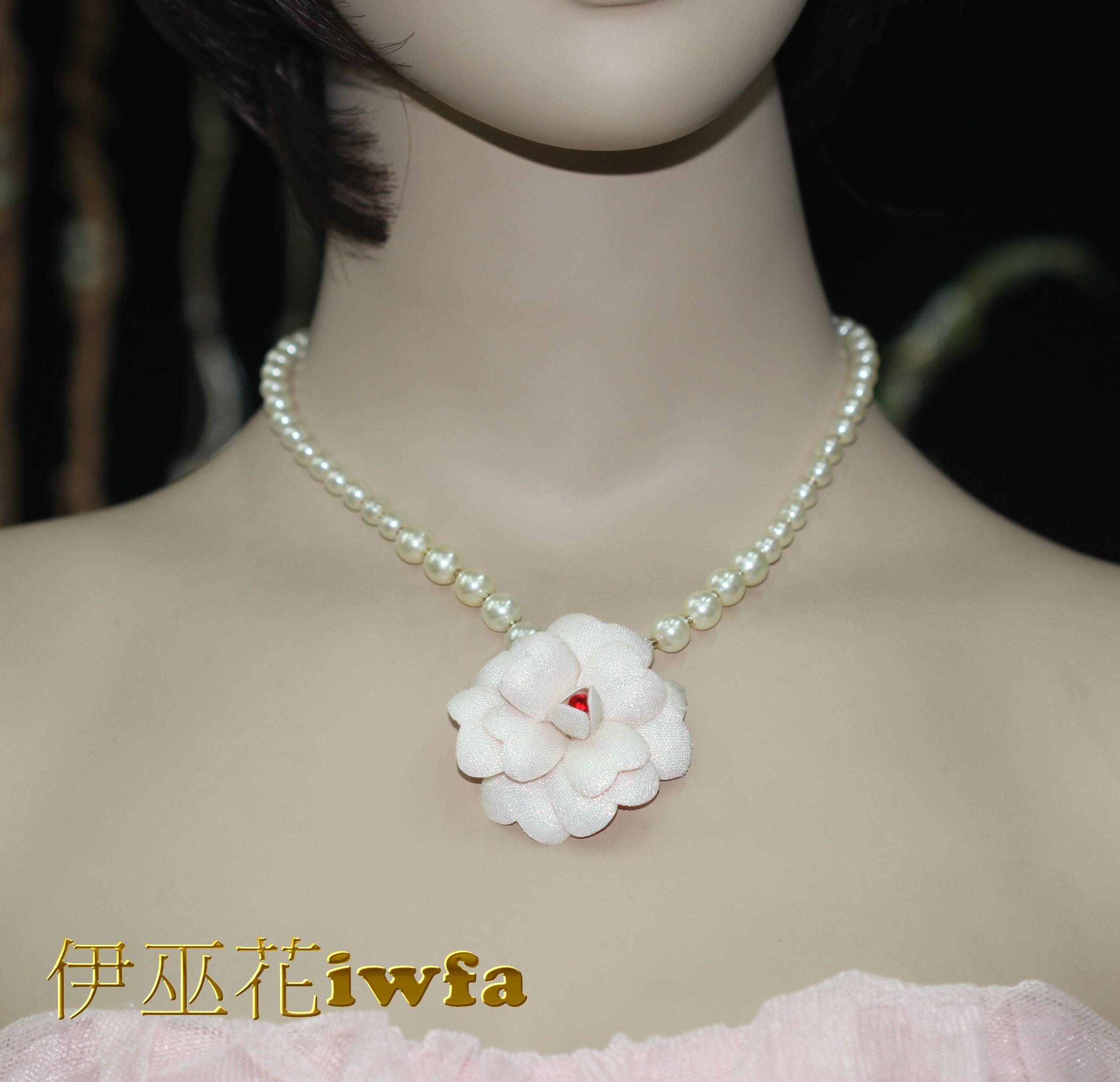 典雅的小茶花-牛奶色
