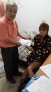 協助照護行動不便的人 (2)
