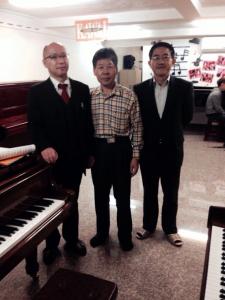 上統老闆謝文彬與河合呂經理、陳經理、日本志村 創合照