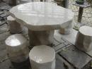 681# 仿自然型石桌椅組 (1桌6椅)