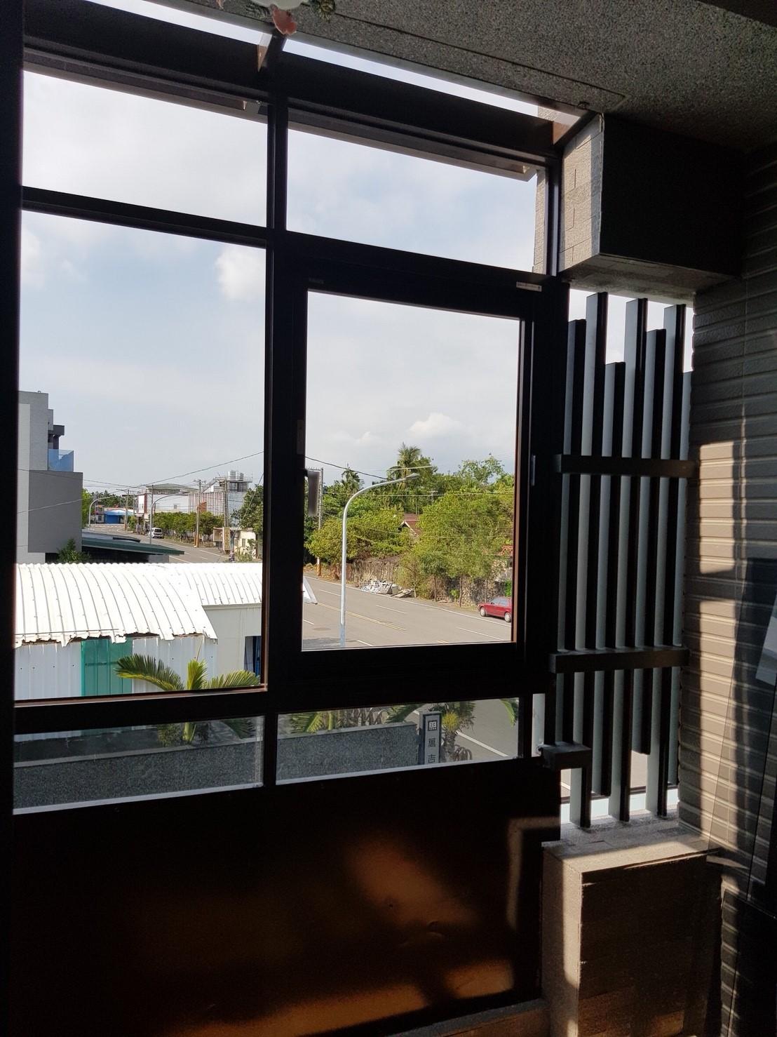 陽台鋁通風窗