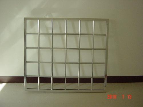 梅花管防盜窗安裝
