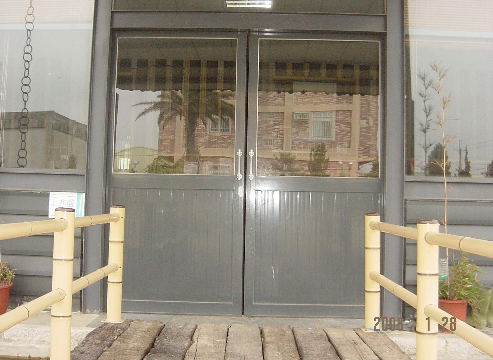 鋁製玻璃門,設計施工
