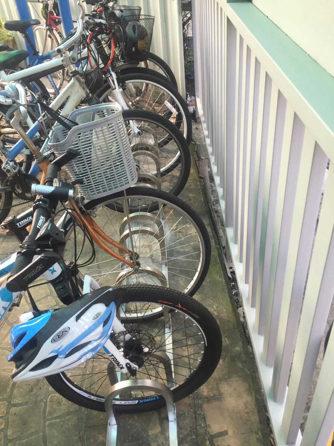 白鐵腳踏車停車架設計製造