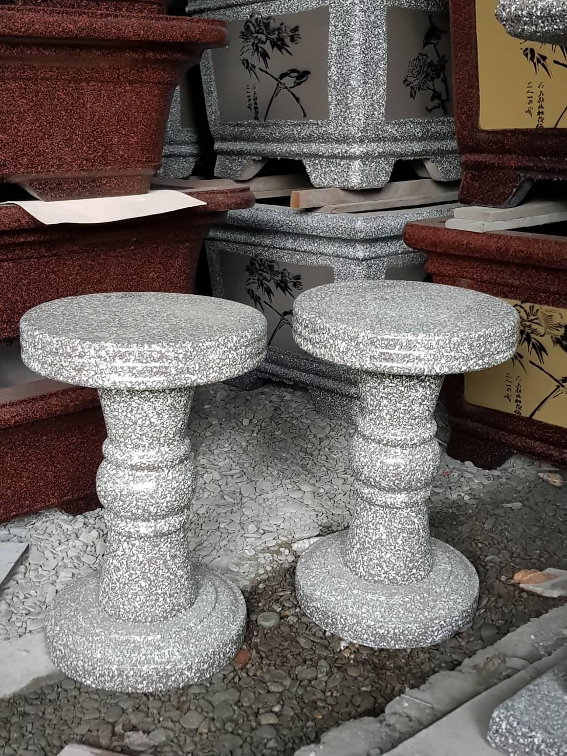 水泥製椅子.JPG