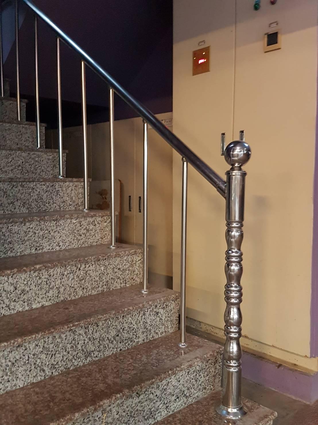 不銹鋼樓梯扶手.JPG