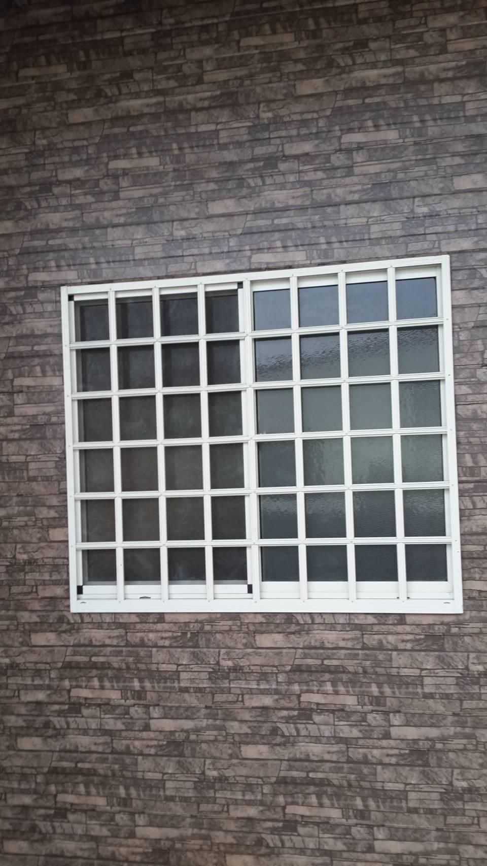 格柵防盜窗